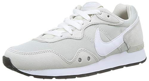 Nike Womens Venture Runner Sneaker, Light...